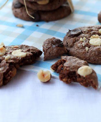 cookies-doppio-cioccolato-nocciole